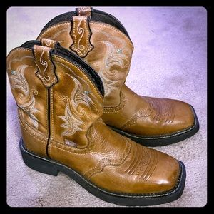 Justin Gypsy boots size 8.5